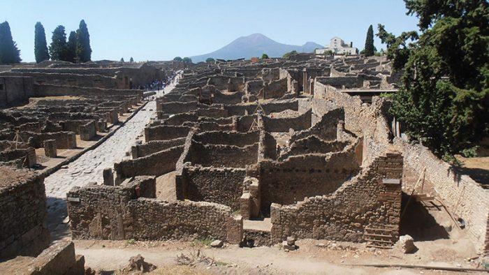 classics.pompeii